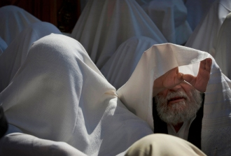 Jewish_men_praying2