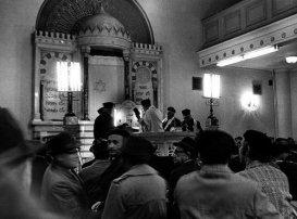 prayer-synagogue-riga-latvia