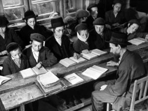 jewish-czech-boys-studying-talmud