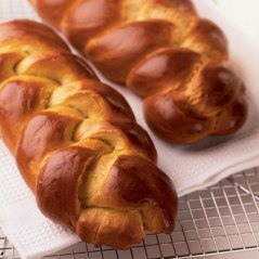 shavuot_two_loaves