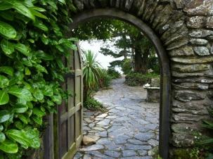 Capstone arch